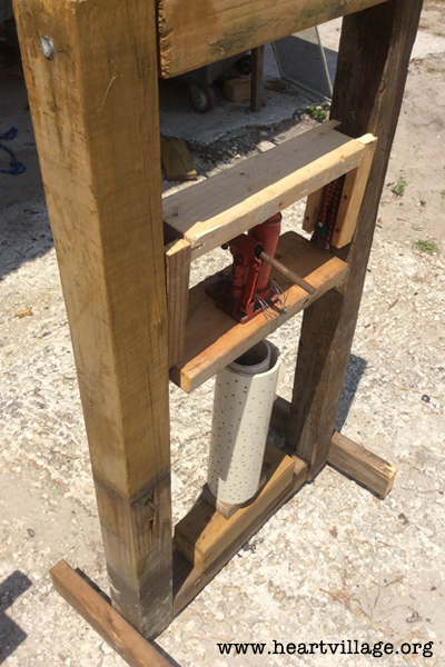 heart-hydrolic-brick-press-4