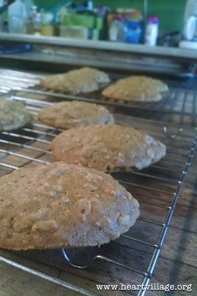 heart-pumpkin-cookie