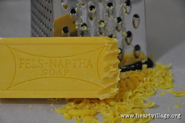 heart-laundry-soap-fels-naptha-grate